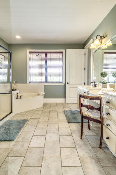 Master ensuite in mls 791970