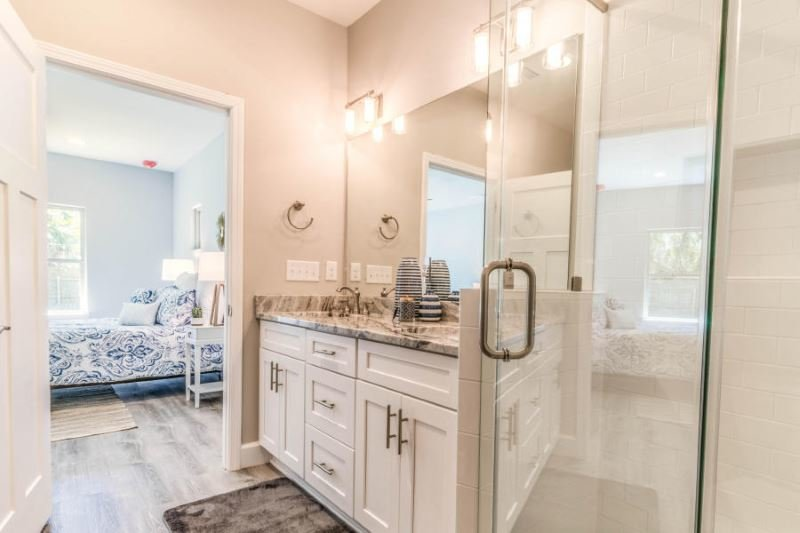 Master bath at 27 Reddin Brunson Rd, DESTIN, FL