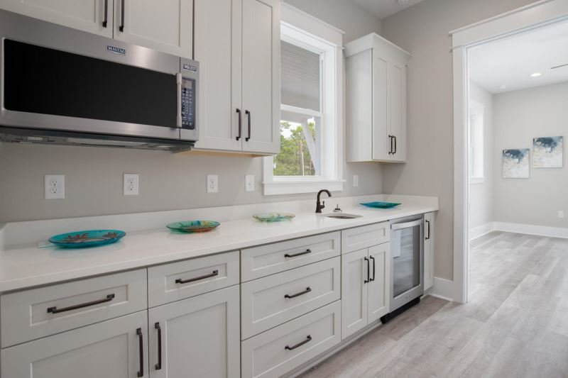 Home in Gulfview Heights - breakfast kitchen