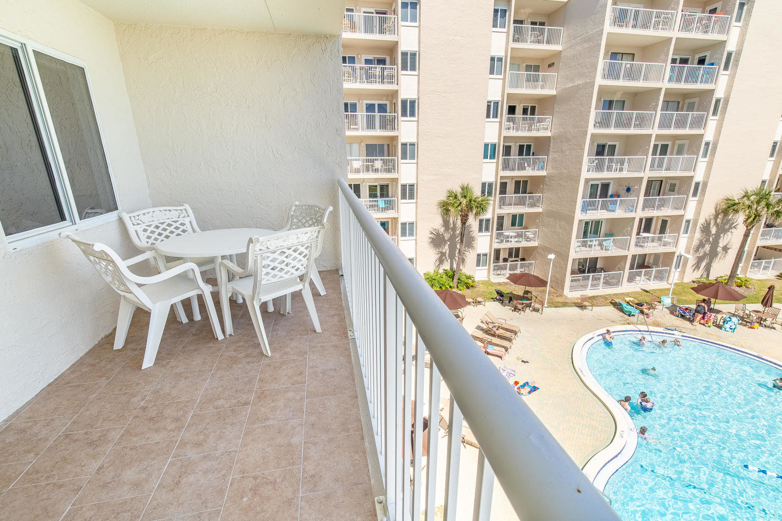 Destin condo pool view in Holiday Surf & Racquet Club