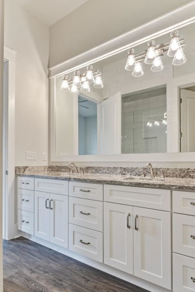 Lakeside at Blue Mountain Beach home: double vanity
