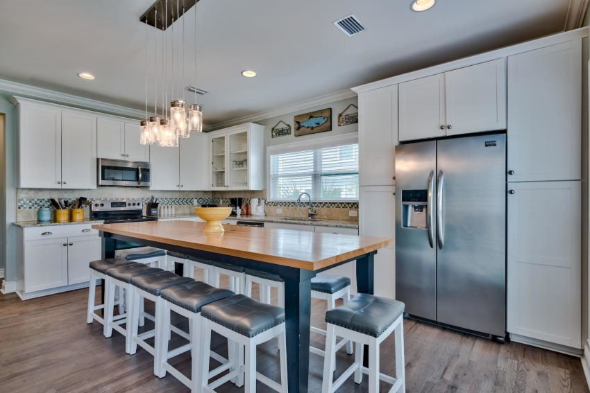 Miramar Beach home in Treasure Sands - kitchen