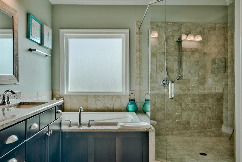 Miramar Beach home in Treasure Sands - master bath shower