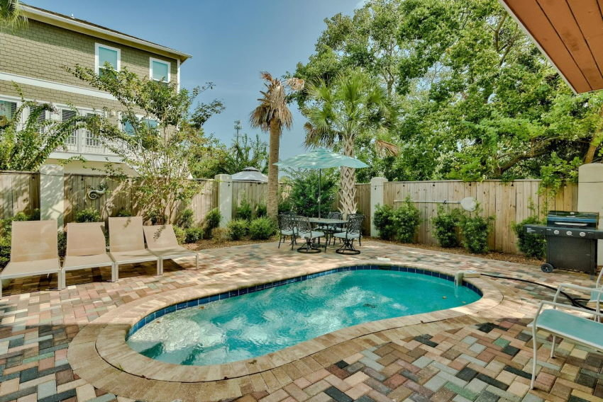 Miramar Beach home in Treasure Sands - pool and patio
