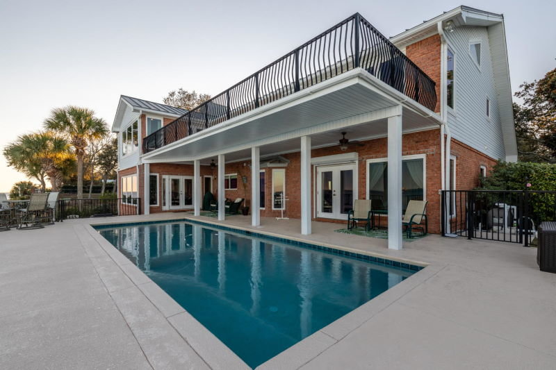 Built-in swimming pool in Shalimar, FL waterfront home