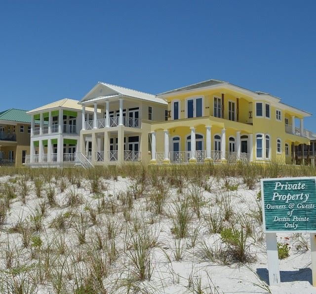 Destin Pointe gulf front homes