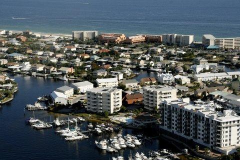 holiday isle homes in destin florida